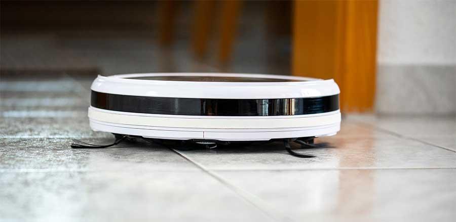 robot de aspiración blanco