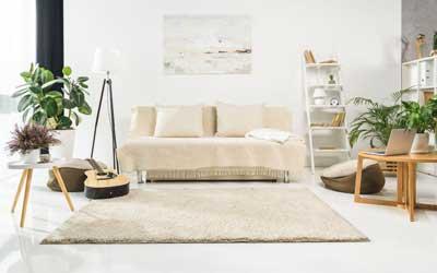 gran habitación con alfombra